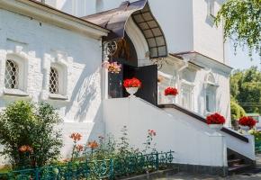 Древний Дмитров (с теплоходной прогулкой и капитанским обедом)
