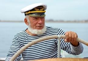 Посвящение в моряки (теплоходная экскурсия по Москве-реке для детей и взрослых с анимационной программой и вручением памятных дипломов)