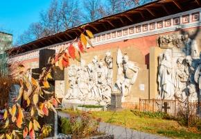 Донской монастырь с посещением старой части некрополя (пешеходная)