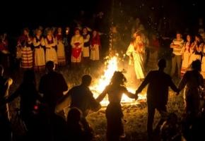 На Ивана Купала Чаровница гадала… (ночная программа с традиционными обрядами, купанием и пикником)